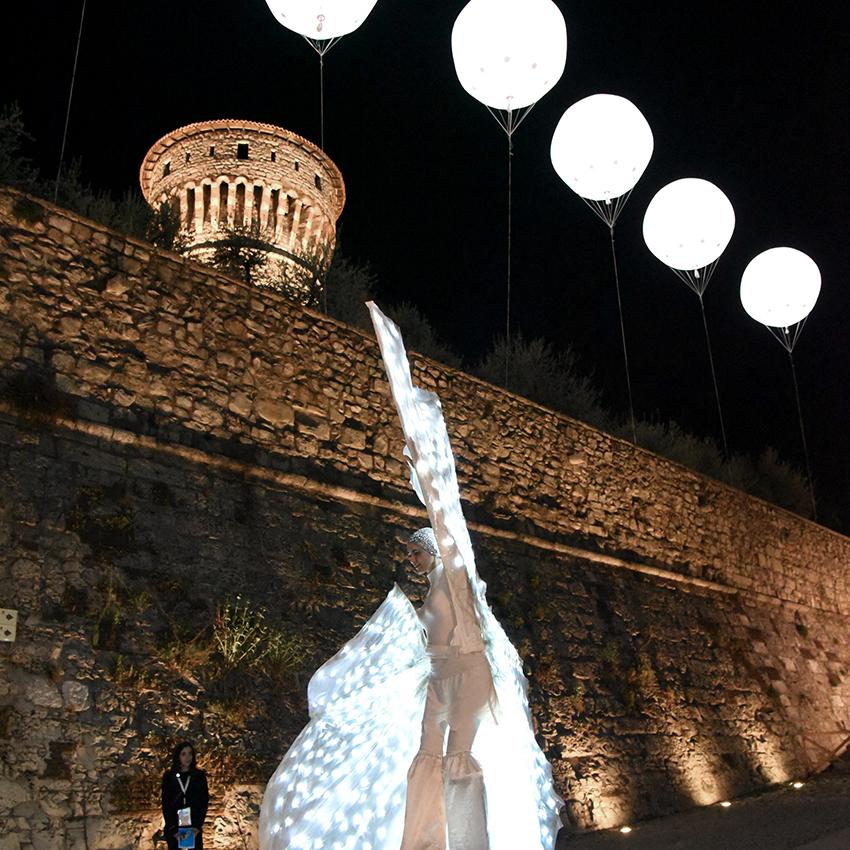 """Performance teatrali durante l'evento """"Brescia vestita di luce"""""""
